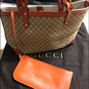Authentic Gucci Shoulder bag with built in pouch.